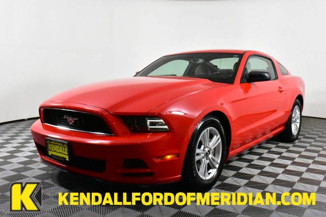 Certified Pre-Owned 2014 Ford Mustang V6